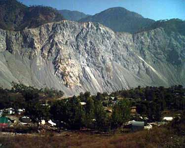La montagna crollata per il terremoto